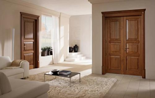 Сплошное полотно двери. Какой материал лучше?