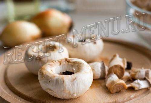 Шампиньоны фаршированные сыром. Ингредиенты
